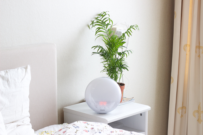 Philips wake-up light sunrise bedroom